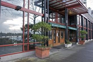 Manager of upscale Portland restaurant bitten by venomous spider, $999,999 lawsuit says